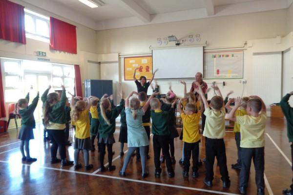 Mambo Jambo Schools Workshop Music and Spanish